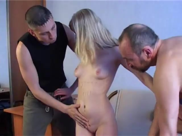Порно Изнасливиня При Мужа За Долга