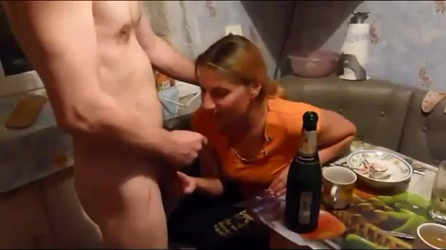 Секс во время застолья