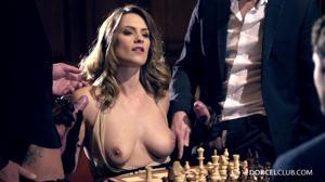 Элегантная француженка поебалась с тремя мужчинами - скриншот #6