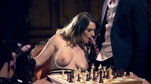 Элегантная француженка поебалась с тремя мужчинами - скриншот #7