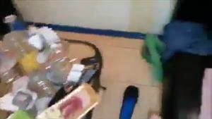 Двое ебут бабу в жопу без гандонов - скриншот #14