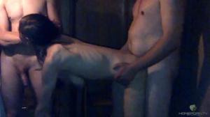 Худая киевлянка обслуживает двух парней - скриншот #18