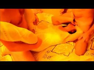 Двое при муже шпилят жену - скриншот #21