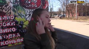 Русские пикаперы сняли шлюху в электричке и на двоих раскатали ее - скриншот #9