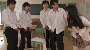Всей группой выебали японскую студентку - скриншот #21