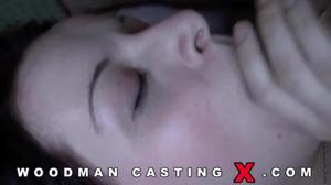 Девушку долго ебали на кастинге Вудмана - скриншот #19