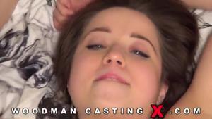 Полноценный порно фильм с молодой давалкой на кастинге Вудмана - скриншот #21