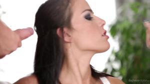 Строптивая жена брюнетка пожелала секс вайфа - пожалуйста - скриншот #3