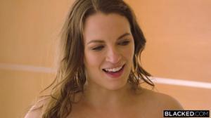Два негра прут красавицу Лили - скриншот #2