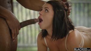 Сегодня Адриана умылась спермой трех негров - скриншот #7