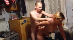 Секс во время застолья - скриншот #16