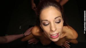 Залили спермой худую женщину - скриншот #14
