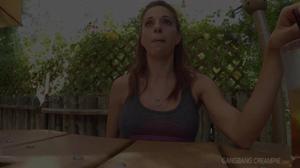 Залили спермой худую женщину - скриншот #21