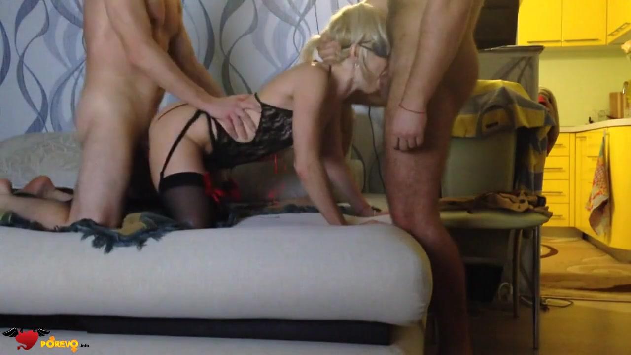 Порно муж ебет жену в чулках