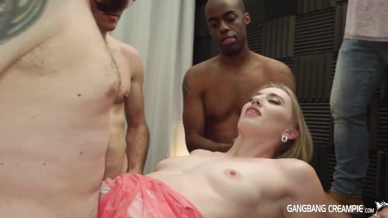 Вагинальный ганг банг с худой блондинкой