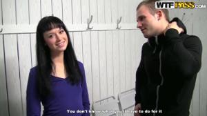 Русская студентка за денежку дала двоим - скриншот #4