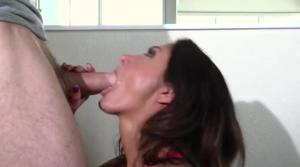 Мужчина застукал жену изменяющую с другом - скриншот #2
