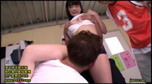 Красивая японка пошла по рукам - скриншот #13