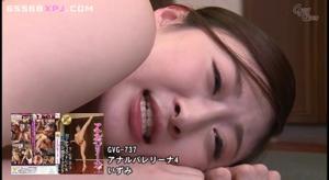 Японская шлюшка пускается во все тяжкие, проше говоря по кругу - скриншот #19