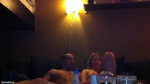 Пьяную блондинку ебут двое - скриншот #20