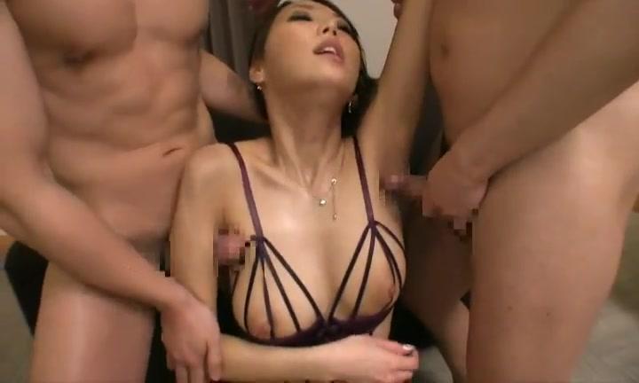 Секс с длинноногой японской давалкой