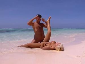 Медовый месяц на Карибах (порно фильм) - скриншот #20