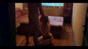 Муж снимает, как жену ебет в рот любовник - скриншот #10