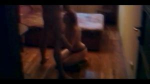 Муж снимает, как жену ебет в рот любовник - скриншот #8