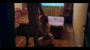 Муж снимает, как жену ебет в рот любовник - скриншот #9