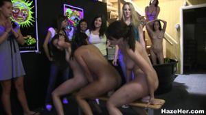 Ганг банг на девичнике - скриншот #10